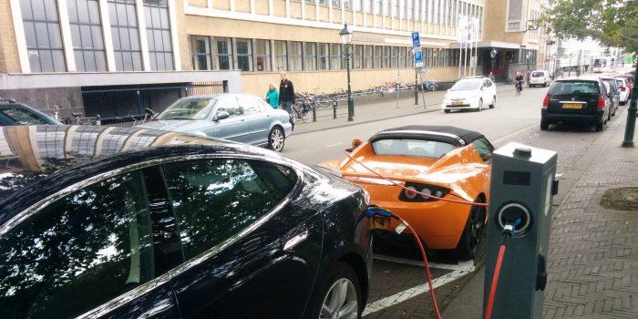 Zonder Laadpalen Geen Elektrische Auto Over Morgen