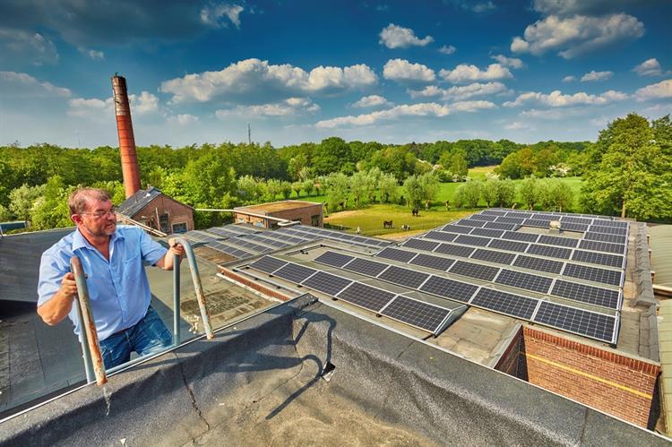 verzilver uw dak met zonnepanelen